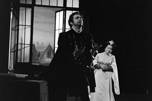 Franco Corelli con Giulietta Simionato ne Gli Ugonotti – Scala, 28 maggio 1962 (Archivio Teatro alla Scala)