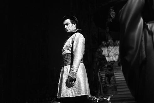Franco Corelli in Turandot – Scala, 17 dicembre 1958 (Archivio Teatro alla Scala)